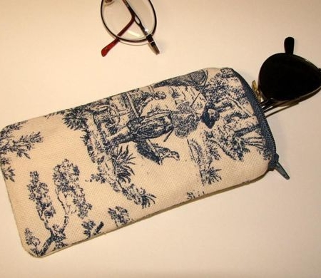 Navy Country Life Toile Reading Glass Case