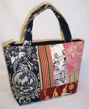 Country House Toile Patchwork Purse